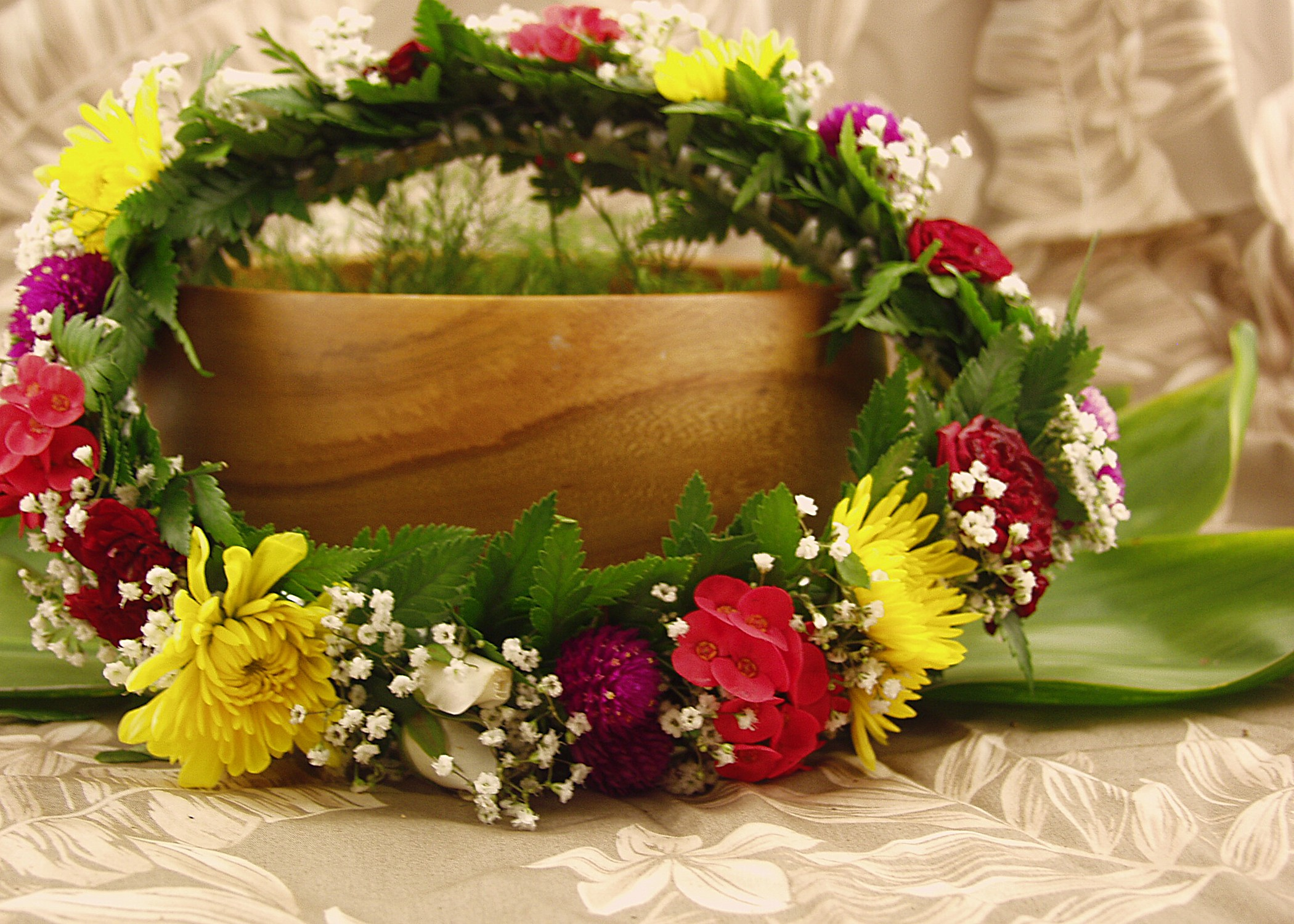 Traditional Hawaiian Wedding Gifts: Made In Hawaii With Local Flowers And