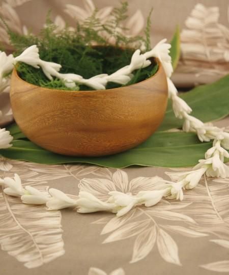 fragrant white Hawaiian lei single